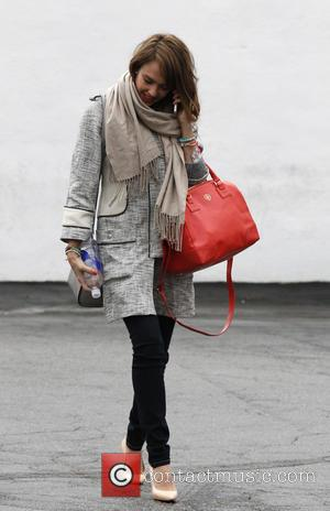 Jessica Alba - Jessica Alba seen out shopping - Los Angeles, California, United States - Tuesday 19th February 2013