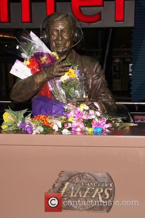 Jerry Buss, Staples Center