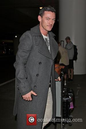 Luke Evans Cast As Count Dracula In New Film Adaptation