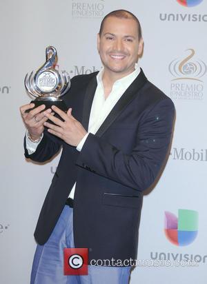 Victor Manuelle - 25th Anniversary Of Univision's 'Premio Lo Nuestro A La Musica Latina' held at the American Airline arena...
