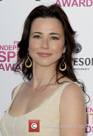 Linda Cardellini - 2013 Film Independent Spirit Awards at Santa Monica Beach - Arrivals - Los Angeles, California, United States...