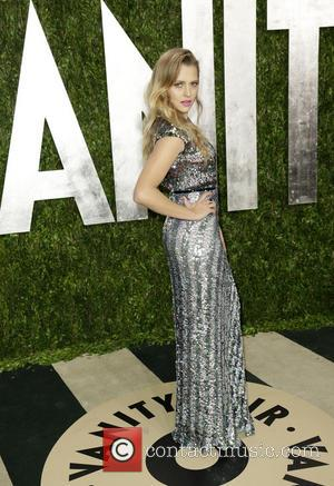 Teresa Palmer - 2013 Vanity Fair Oscar Party at Sunset Tower - Arrivals - Los Angeles, California, United States -...