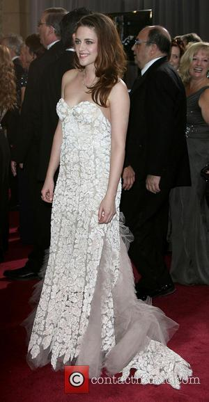 Robert Pattinson and Kristen Stewart Breaking Up? So That's Why She Was So Miserable On Stage at the Oscars