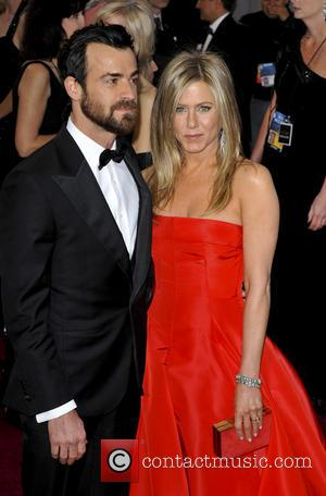 Jennifer Aniston Quashes Rumours Of Engagement Trouble With Justin Theroux
