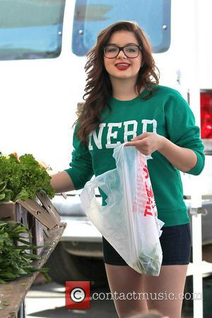 'Modern Family' star Ariel Winter shopping at the Studio City Farmers Market - Los Angeles, California, United States - Sunday...