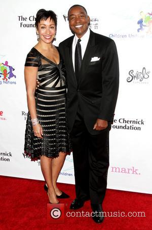 Isiah Thomas and wife Lynn - 14th Annual Children Uniting Nations Oscar Viewing Dinner - Los Angeles, California, United States...