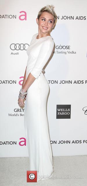 Miley Cyrus - Elton John AIDS Foundation Oscar Party