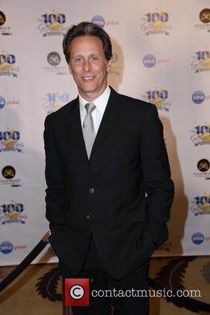Steven Weber Splits From Wife