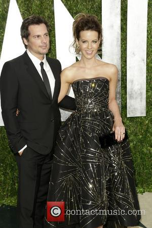 Len Wiseman and Kate Beckinsale - 2013 Vanity Fair Oscar Party at Sunset Tower - Arrivals - Los Angeles, CA,...