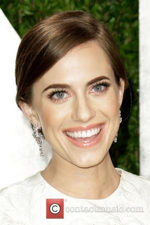 Allison Williams - 2013 Vanity Fair Oscar Party at Sunset Tower - Arrivals - Los Angeles, CA, United States -...