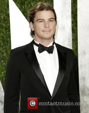 Josh Hartnett - 2013 Vanity Fair Oscar Party at Sunset Tower - Arrivals - Los Angeles, California, United States -...