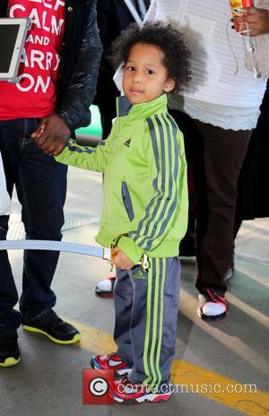 David Daniel Otunga Jr - Jennifer Hudson arrives at LAX airport with her son David Daniel Otunga Jr. - Los...