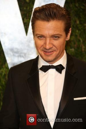 Jeremy Renner - 2013 Vanity Fair Oscar Party at Sunset Tower - Arrivals - Los Angeles, California, United States -...