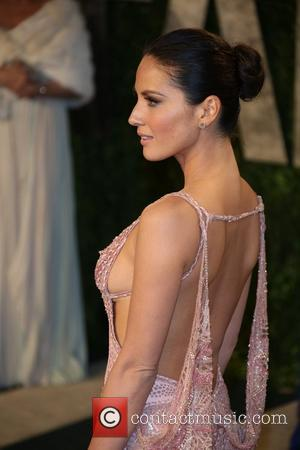Olivia Munn - 2013 Vanity Fair Oscar Party at Sunset Tower - Arrivals - Los Angeles, California, United States -...