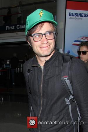 Gael Garcia Bernal - Actor Gael Garcia Bernal arrives at LAX in a casual outfit - Los Angeles, United States...