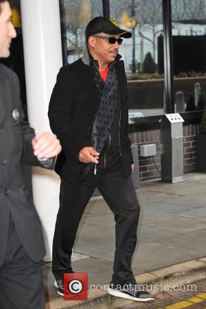 Marlon Jackson - The Jacksons leave their hotel in Birmingham ahead of the opening night  performance of The Jacksons...