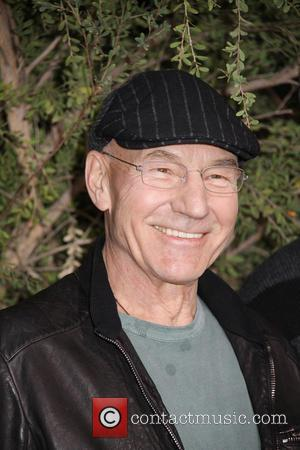 Sir Patrick Stewart Wants You To Know He's Tried Pizza Before, Honest