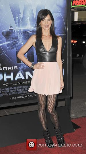 Perrey Reeves - 'Phantom' Los Angeles Red Carpet Premiere at the Chinese Theater - Hollywood, California, United States - Wednesday...