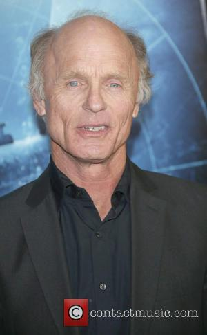 Ed Harris - 'Phantom' Los Angeles Red Carpet Premiere at the Chinese Theater - Los Angeles, California, United States -...