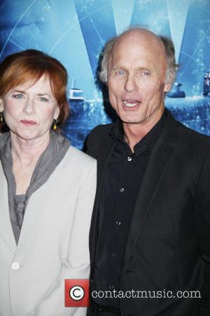 Ed Harris and Amy Madigan - 'Phantom' premiere of at the Chinese Theatre - Arrivals - Los Angeles, California, United...