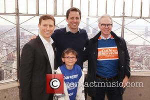 Dave Linn, Seth Meyers, Dr. Charles Sawyers and Team Perry - Seth Meyers lights the Empire State Building orange in...