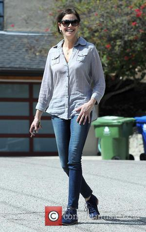 Teri Hatcher - Teri Hatcher looking for deals at a garage sale in Studio City - Los Angeles, California, United...