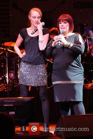 Carnie Wilson and Chynna Phillips