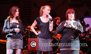 Carnie Wilson, Wendy Wilson and Chynna Phillips