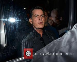 Charlie Sheen Offers To Mentor Lindsay Lohan