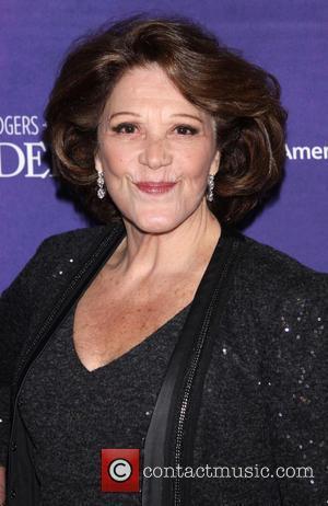 Linda Lavin