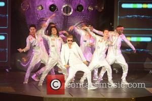 Justin Bieber - Justin Bieber Performing Live In Concert