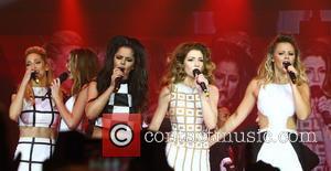 Sarah Harding, Nadine Coyle, Cheryl Cole, Nicola Roberts and Kimberley Walsh