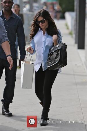Jenna Dewan-Tatum - Pregnant Jenna Dewan-Tatum seen shopping at Rag & Bone on Melrose Ave - Los Angeles, California, United...