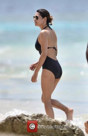 Danielle Lineker - Danielle Lineker and George Lineker enjoy a day on the beach which included jetskiing - Caribbean -...