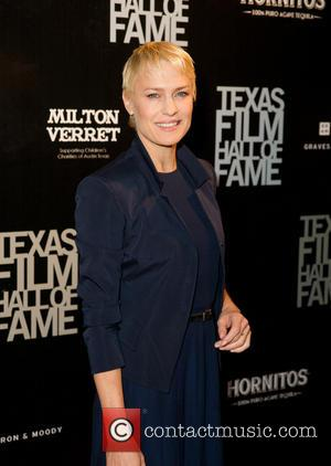 Robin Wright And Kevin Spacey Struggled With House Of Cards Smoking