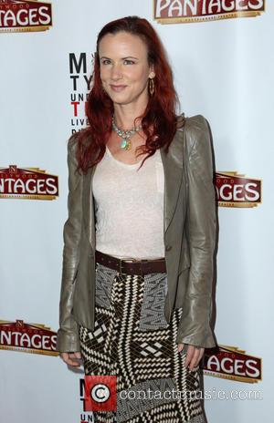 Juliette Lewis Leads Star Support For Cancer-stricken Karen Black