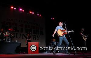 Rodney Atkins Staging Benefit Concert For Oklahoma Tornado Victims