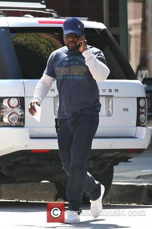 Malcolm-Jamal Warner - Malcolm-Jamal Warner seen leaving a medical building sporting his new short haircut - Los Angeles, CA, United...