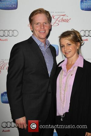 Ned Vaughn and Gabrielle Carteris