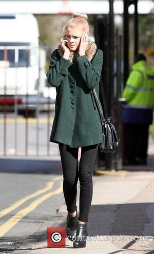 Hetti Bywater - Eastenders actress Hetti Bywater seen chatting on her mobile phone near the Elstree BBC studios - Hertfordshire,...