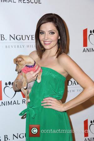 Jen Lilley - Makeovers For Mutts Fundraiser - Beverly Hills, California, United States - Thursday 14th March 2013