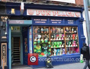 Sarah Harding and 'fun Place' Fancy Dress