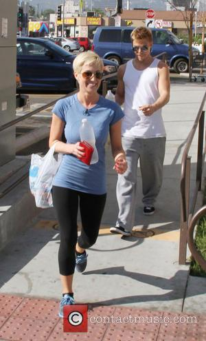 Kellie Pickler and Derek Hough - Celebrities outside the rehearsal studio for 'Dancing with the Stars' in Hollywood - Los...