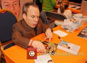 Warwick Davis - MCM Birmingham Memorabilia Comic Con at Birmingham NEC - Birmingham, United Kingdom - Saturday 16th March 2013