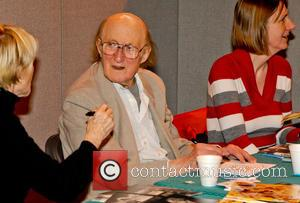Ron Moody Dead At 91