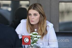 Mischa Barton - Mischa Barton seen having a late lunch with friends at Via Alloro in Beverly Hills. - Los...
