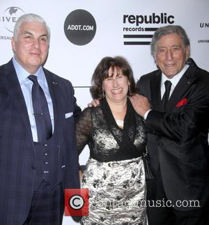 Mitch Winehouse, Janis Winehouse and Tony Bennett