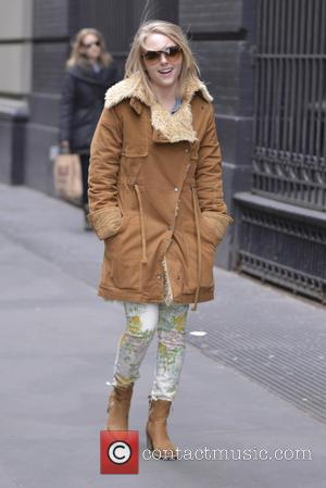 AnnaSophia Robb - 'The Carrie Diaries' star AnnaSophia Robb seen out and about in SoHo - New York City, United...