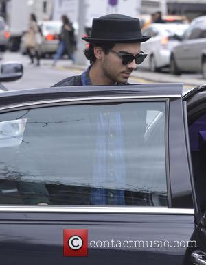 Joe Jonas Invites Lucky Fan On Date On Live U.s. Tv