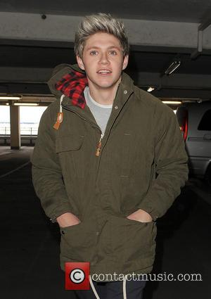 Niall Horan - Niall Horan At Heathrow
